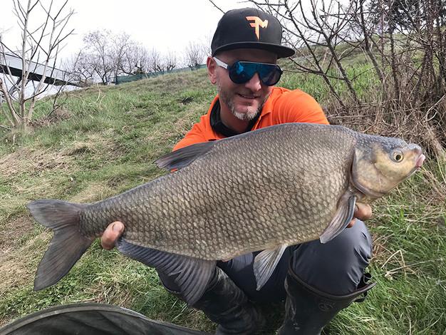 Dévérkeszeg-horgászat az ívási időszak előtt