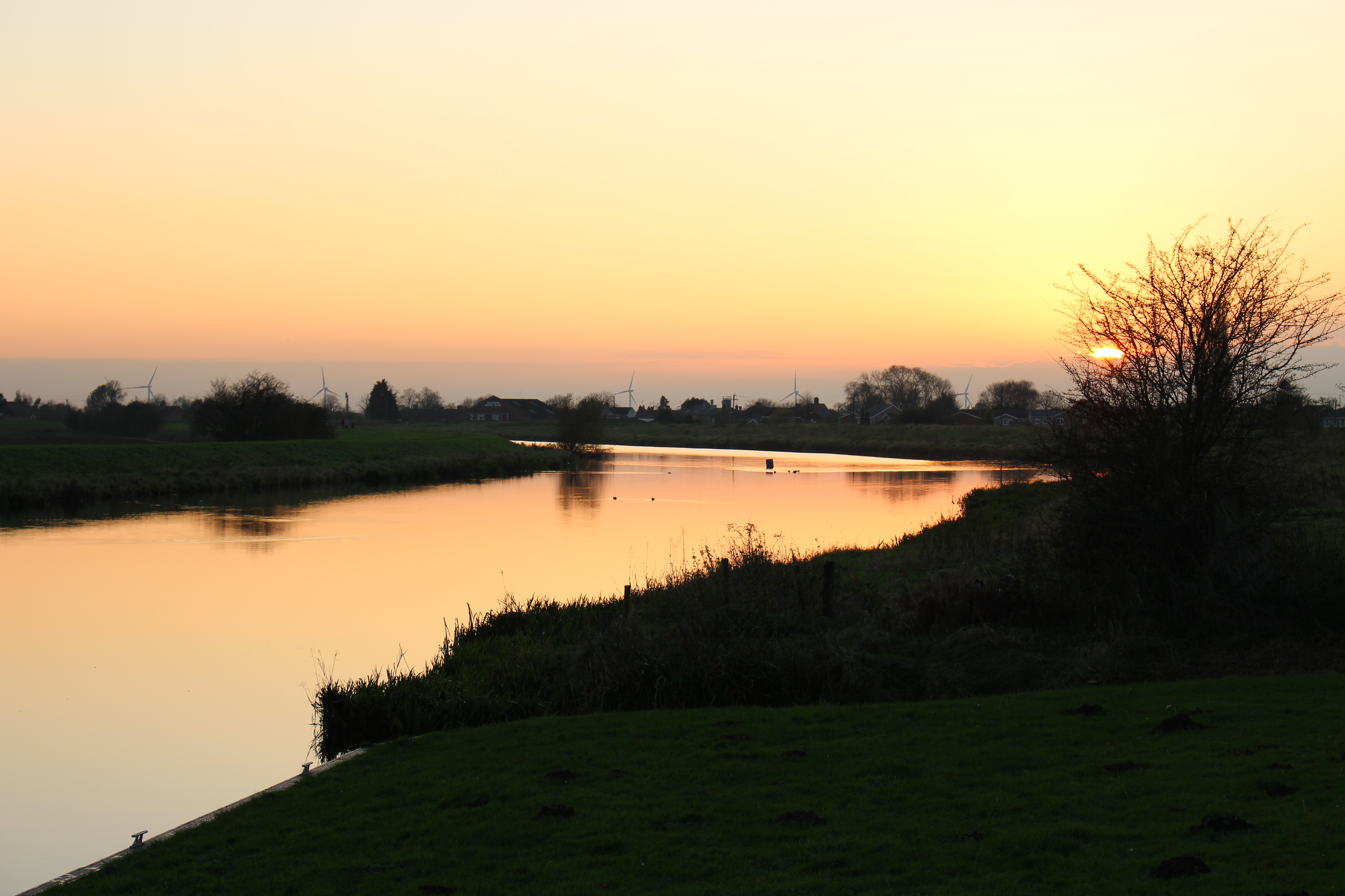 Sunset River Welland