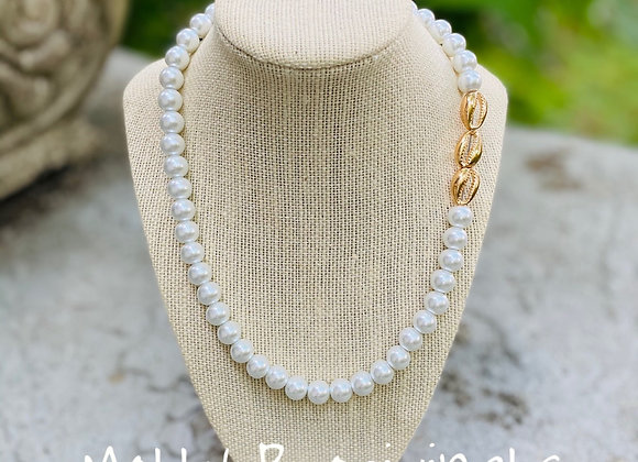 Three Shells Pearl  Necklace