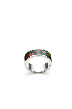 Contemporary band ring