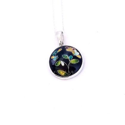 Blooming flowers pendant