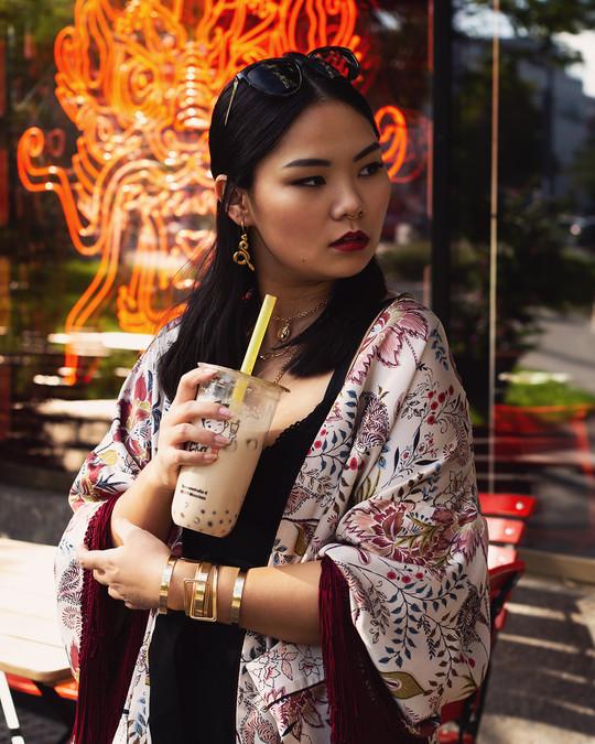 hongkong_afternoon_janina_gold_01_web.jp