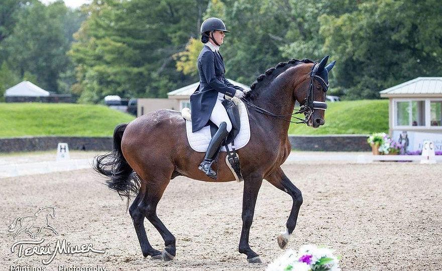 Elizabeth Caron riding Schroeder in her Prestige saddle