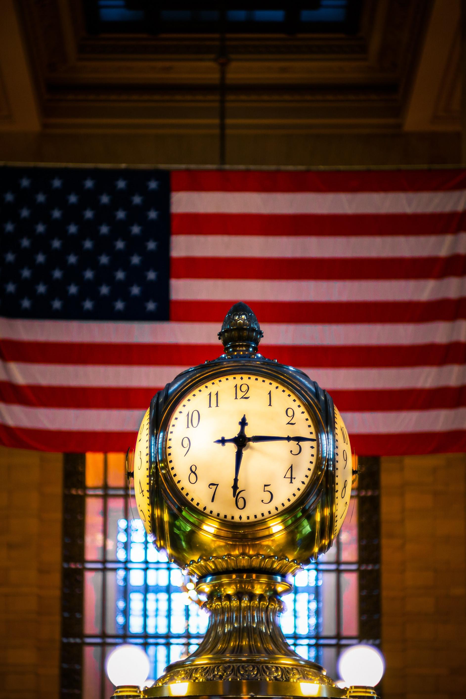 Flag and clock.jpg