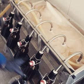 Chilli Beer wird abgefüllt