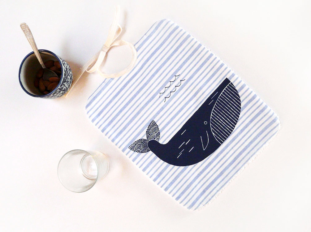 Bavoir baleine en coton bio