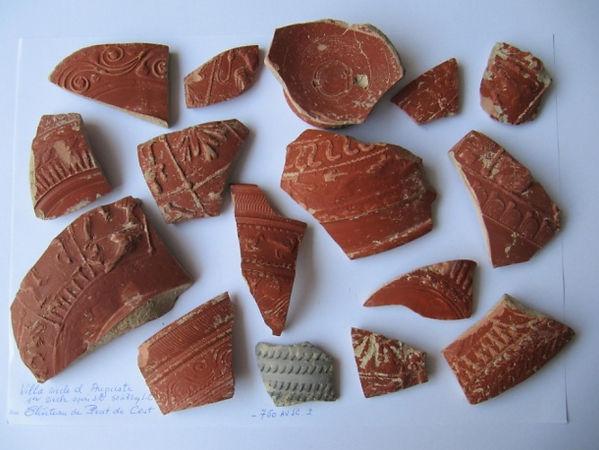 Château Prat de Cest, fragments de poterie sigillée