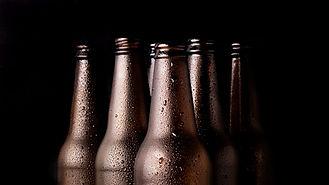 groupe-bouteilles-biere-noire.jpg
