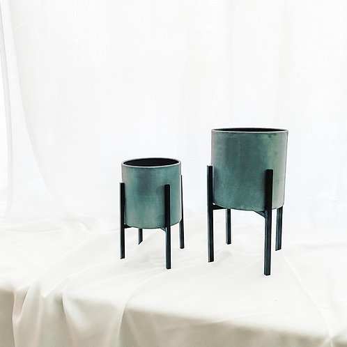 Cylindrical Table Top Planter