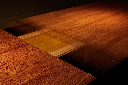 75 Table Bubinga vue ouverture en mouvem