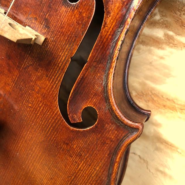 © Karpati Violins