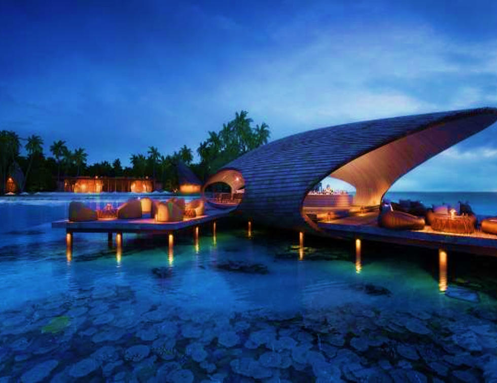st regis maldives whale bar
