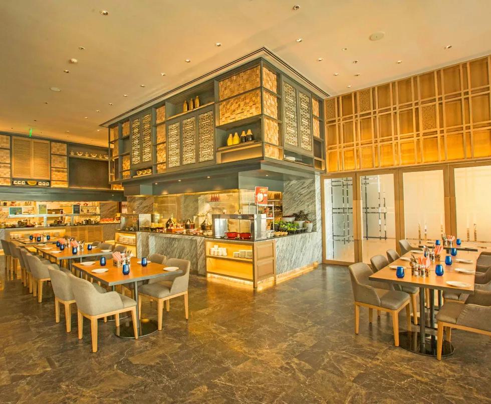 LVC Asian Live Kitchen - Rennaissance Powai by Marriott