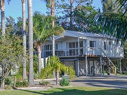 Caseys_Beach_Holiday_Park_Villas