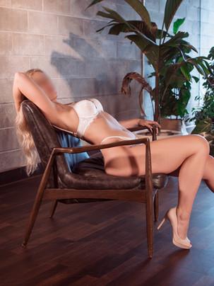 White Set Chair Stretch