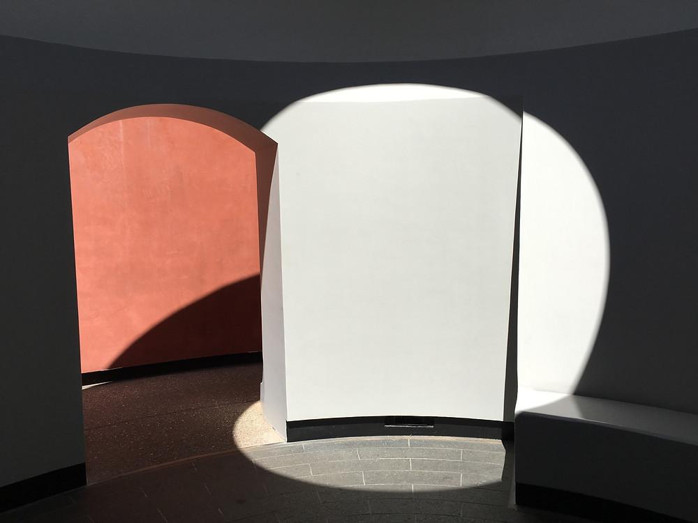 circle of light, circle of colour