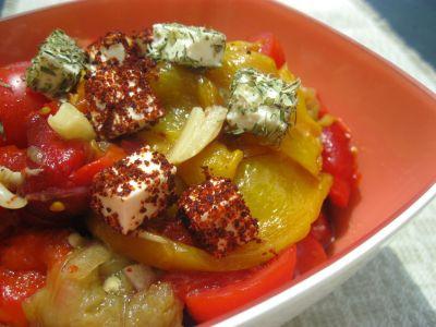 Салат из печеных перцев и брынзы