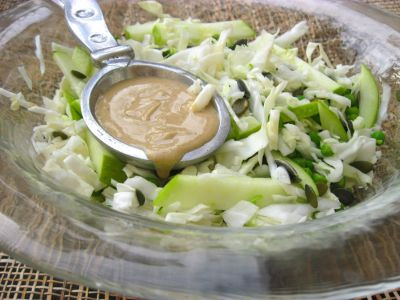Капустный салат с тхиной
