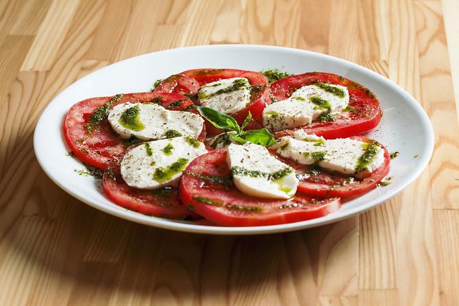 Средиземноморский салат Капрезе