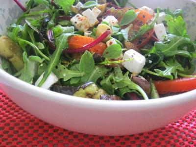 Овощной салат с вешенками
