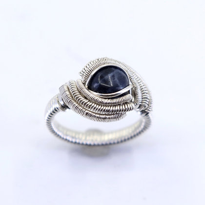 Fine and sterling silver ring - sodalite