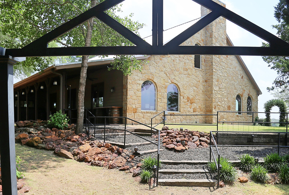 Red Ridge Weddings and Receptions Venue