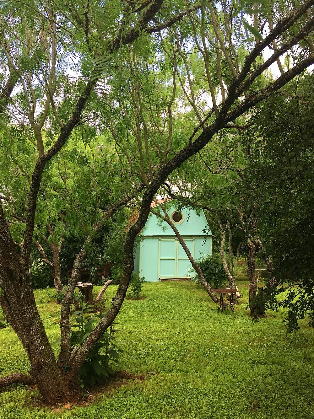 TerrAdorna Tiffany Blue Barn