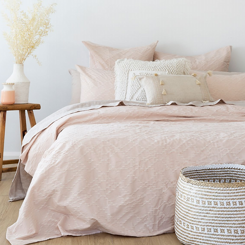 Faye Quilt Cover Set Soft Pink