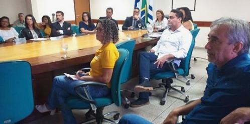 Prefeito Paulo Hernandes participa de reunião que discute o Sistema de gestão do Transporte Escolar
