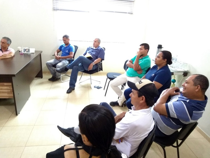 Prefeito Paulo Hernandes e Vereadores, convocam representante da empresa Hidro Forte para esclarecim
