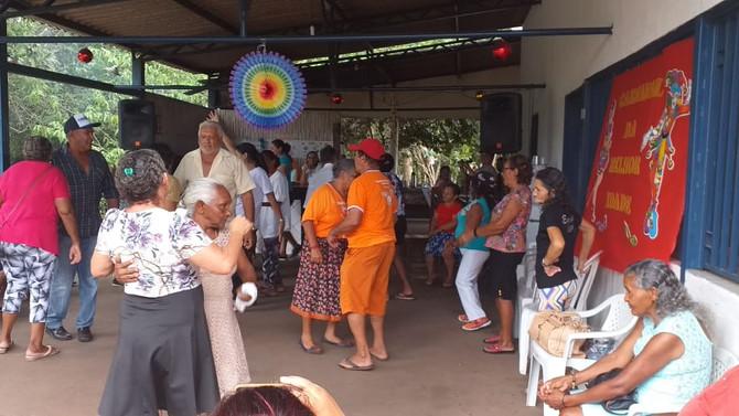 CARNAVAL DA MELHOR IDADE - Secretaria de Assistência Social realiza comemoração carnavalesca com o i