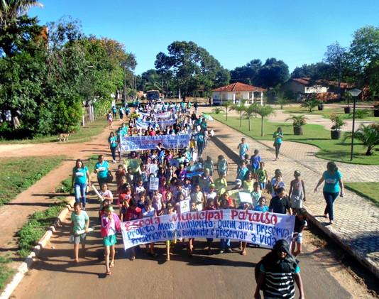 Caminhada marca Semana do Meio Ambiente e Campanha do Combate ao mosquito Aedes Aegypti