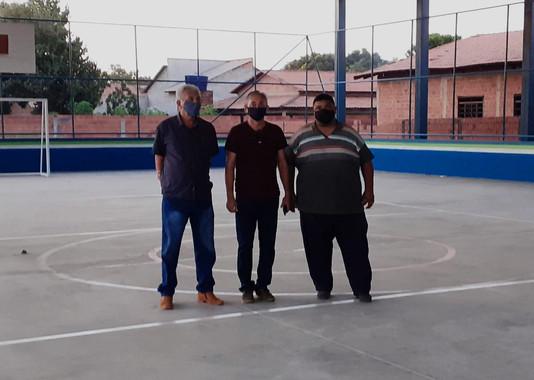 Prefeito Paulo Hernandes visita Quadra Poliesportiva que logo será entregue à comunidade