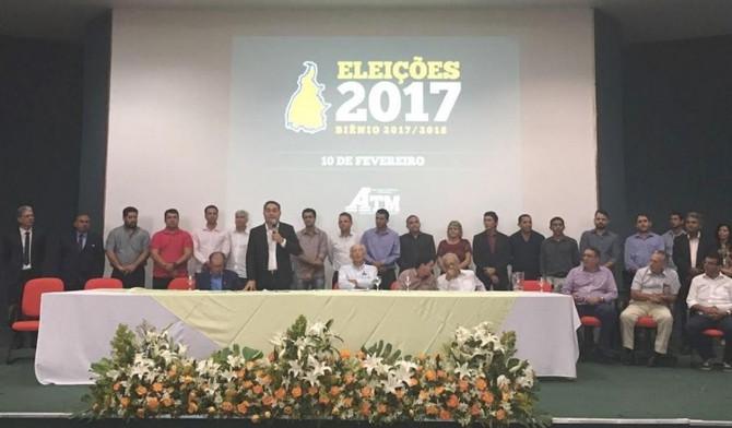 Eleito presidente da ATM para biênio 2017/2018, prefeito Jairo Mariano ressalta união