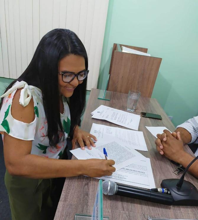 Vereadora Suplente assume cadeira no Legislativo Bonjesuíno