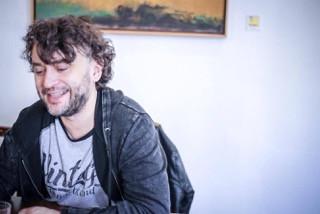 【報導】受傷的小孩最後都長大了——專訪波蘭劇作家 瓦恰克(全球藝評採訪)