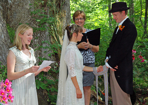 """The """"Loose"""" Handfasting Knot"""