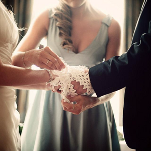 'The Wrap' Handfasting knot using an Irish Lace Cord