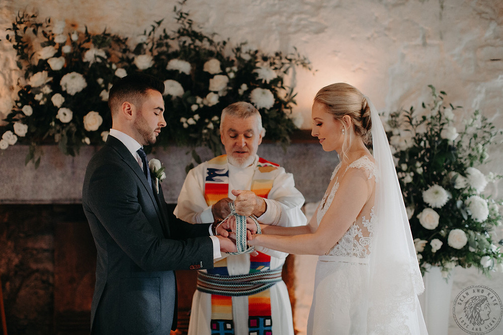 """""""The Gift"""" Handfasting Knot"""