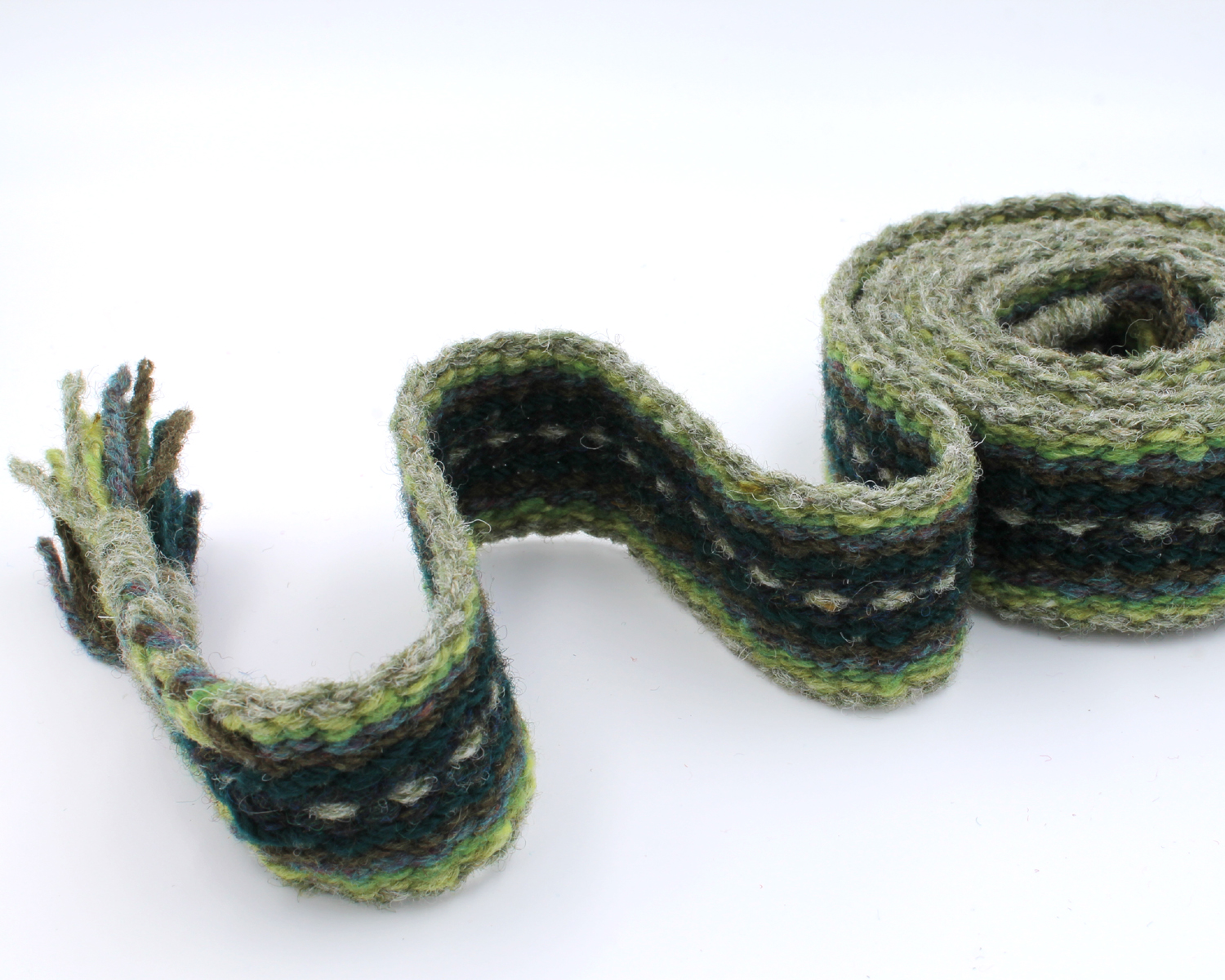 Handfasting cord - evergreen heart 1