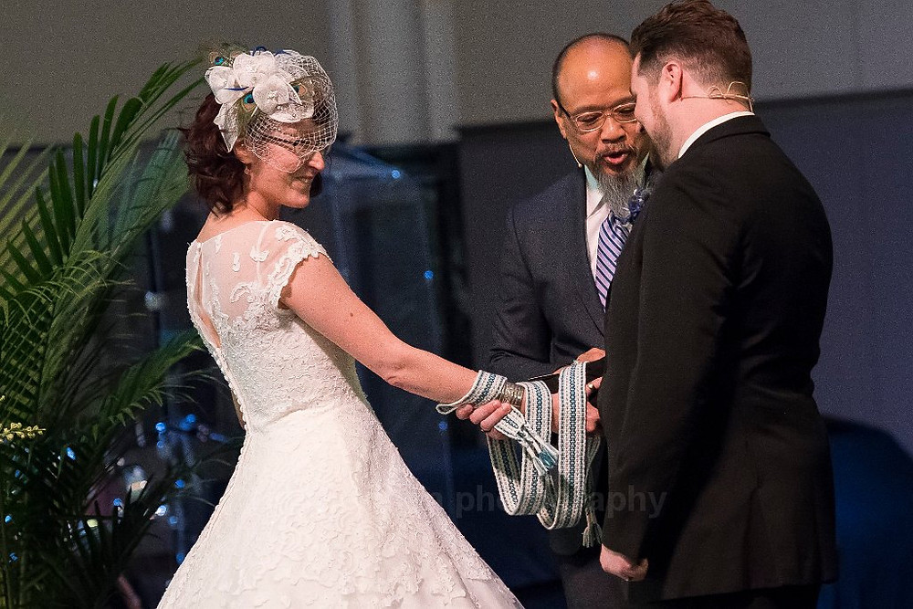 """The """"Wrap, Release and Pull"""" Handfasting Knot"""