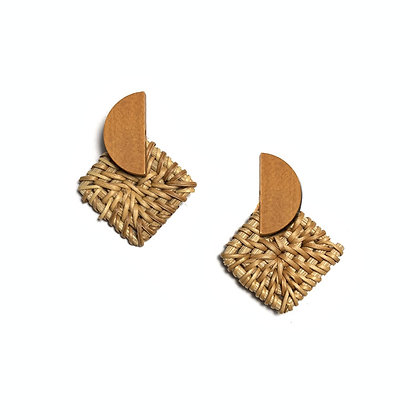 Rhombus Knit Stud Earrings