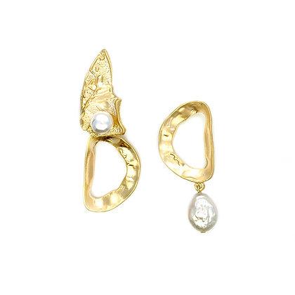 Asymmetrical Fragment Peal Drop Earrings