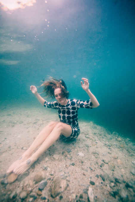 Dress day underwater