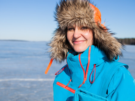 Guinness World Record Attempt - Johanna Nordblad, 50 m swim under ice, with a swimsuit, no fins. Fem