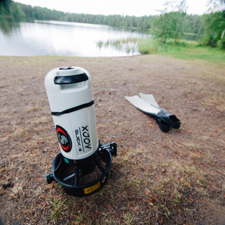 Scootering Tiilijärvi lake