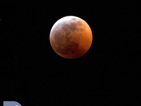 &1 More Photo: Lunar Eclipse