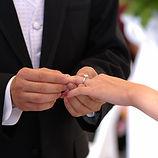 Exhanging wedding rings