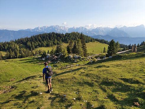 Wanderung mit Bergkulisse