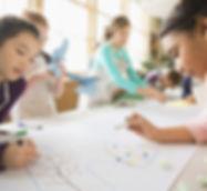 Les enfants de la classe d'art